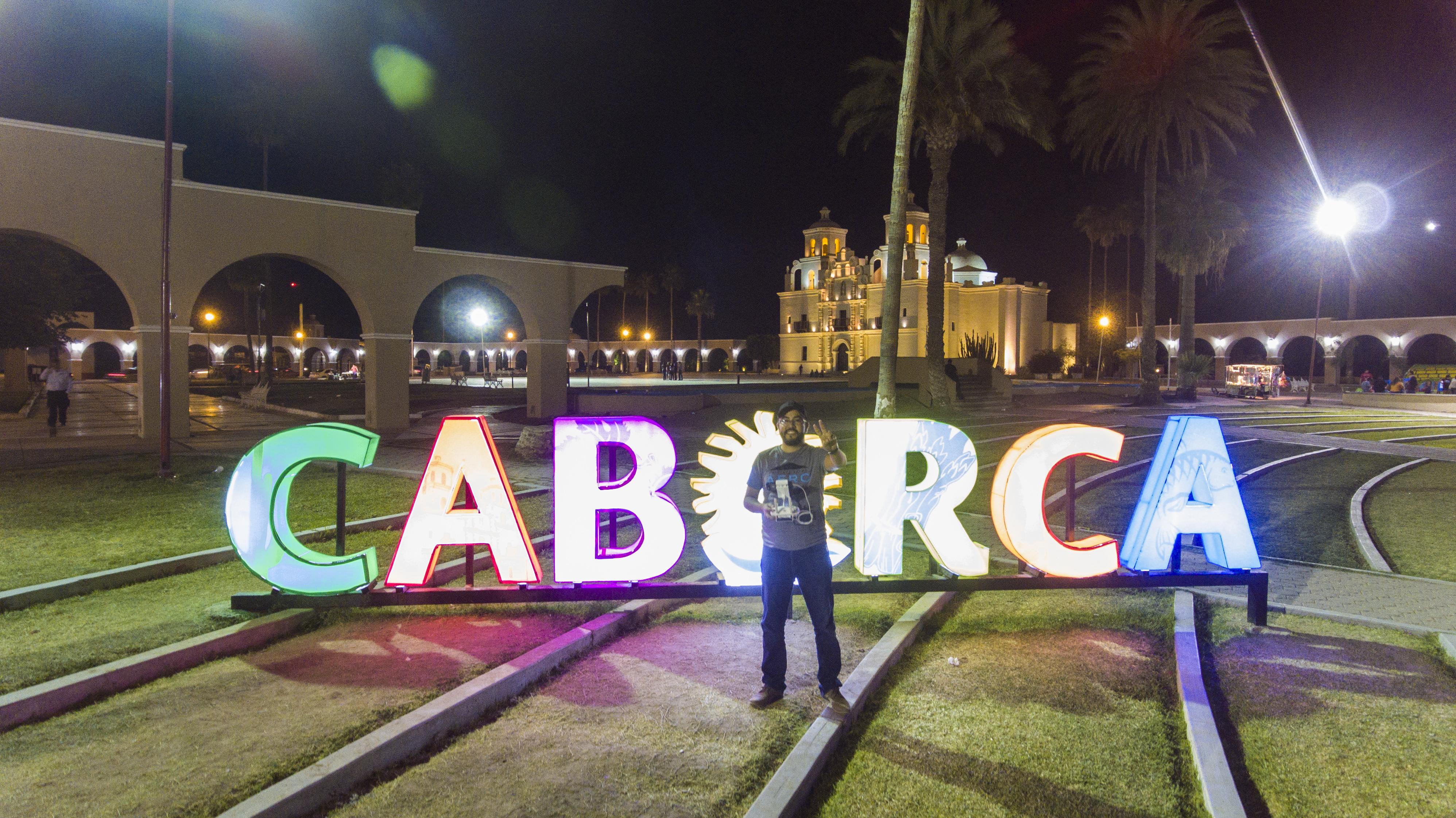 Letras iluminadas en Caborca mario ruiz madrigal